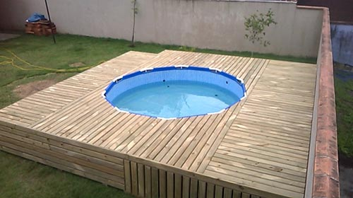 1 Pallet Wood Swimming Pool